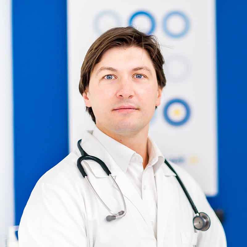 Dott. Giuseppe La Barbera - Ortopedico specialista in ortopedia e traumatologia - Centro Target Saronno