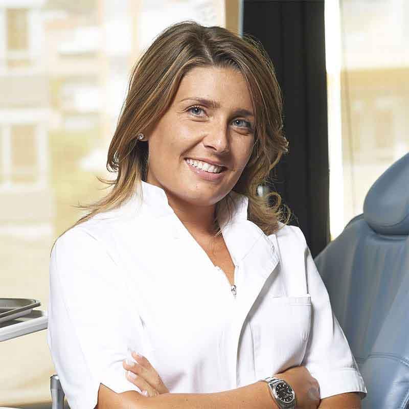 Dr.ssa Irene Vanini - Odontoiatra specialista in Ortognatodonzia e funzione masticatoria Centro Target Saronno